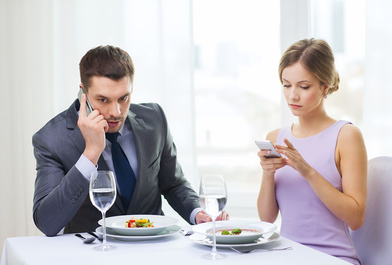The easiest way to spy on your spouse text message for free - FreePhoneSpy