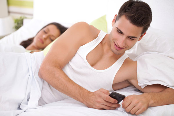 Why need Spy on Your Boyfriend's WhatsApp without His Permission