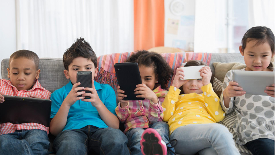 Get Top 10 Free Android Monitoring Apps for Parental Control